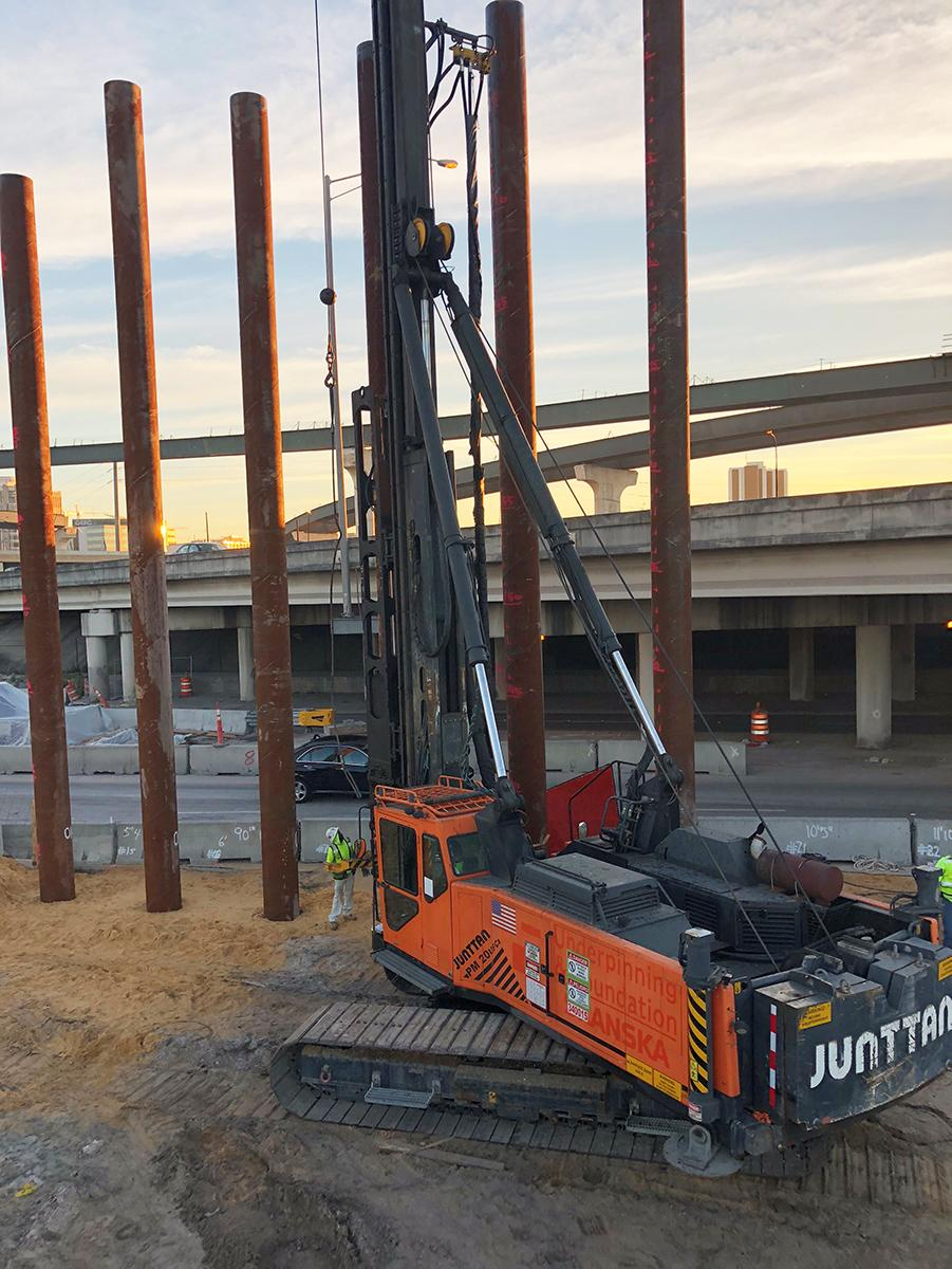 Junttan PM25H Piling Steel PiPe Piles at the I-4 Ultimate